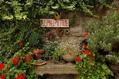 685_ - Garden Deco
